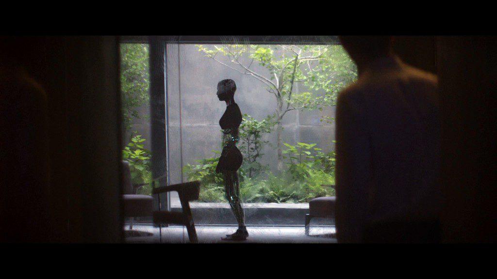 Кадры из фильма: Ex_Machine (Из машины). Обзор и рецензия на фильм.