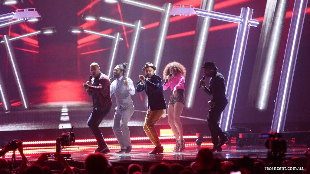http://www.recenzent.com.ua/wp-content/uploads/2015/05/eurovision-2015-final-photo-winner-voting-recenzent-002-1024x576.jpg